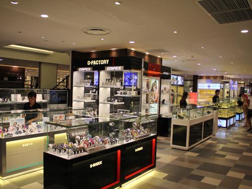 有名ブランドも豊富な時計販売エリア