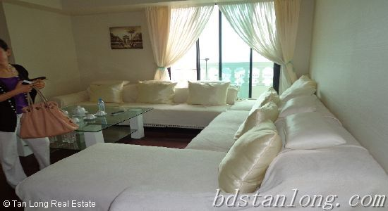 Rental luxury apartment in Pacific Park Place 33 Phan Boi Chau Hoan Kiem district