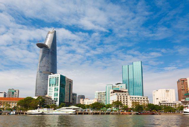 【日本貿易振興機構(JETRO)ハノイ/ホーチミン事務所】2015年対ベトナム直接投資の概況及びベトナム進出日系企業の活動実態について