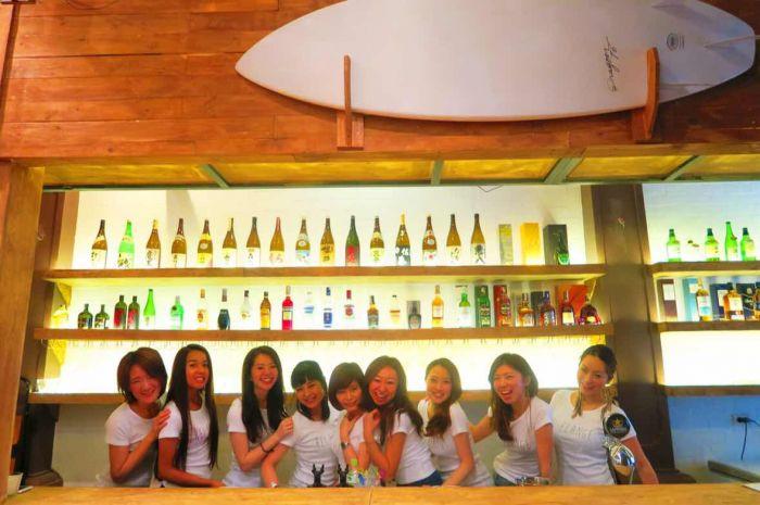 博多の人気ガールズバーが国境を越えてハノイに新店舗展開!