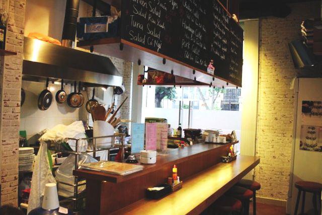お酒好きな方注目!フーニャン区の洋食料理屋さんがカウンターバーに生まれ変わります♪【SANDWICH MAN】