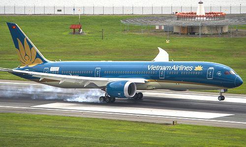 ベトナム人乗客が非常口を開け、日本からの航空便が2時間遅延