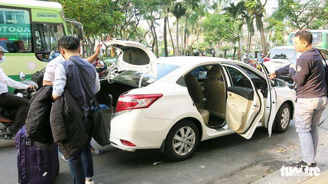 Grabとの提携を発表後、Uberのドライバーが車の売却を急ぐ,Uber Grab 運転 買収 売却 提携