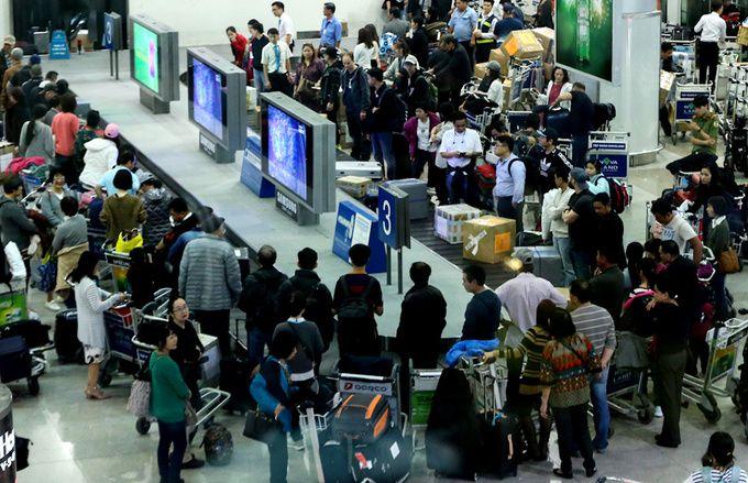 ホーチミンの空港係員、逮捕 乗客のスマホを盗んだか,ベトナム, ホーチミン, タンソンニャット空港, スマホ, 盗難