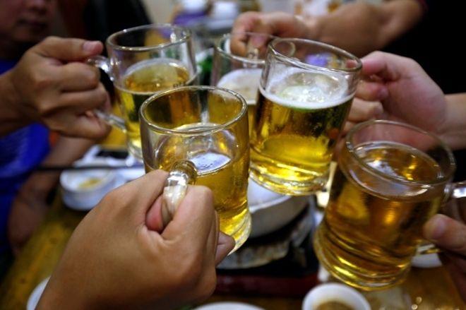 ベトナム、健康被害の防止のためアルコール販売時間を制限か