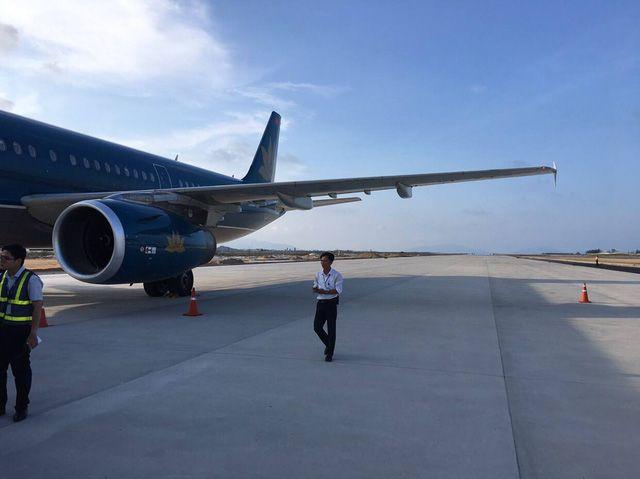 ベトナム航空、建設中の滑走路に着陸