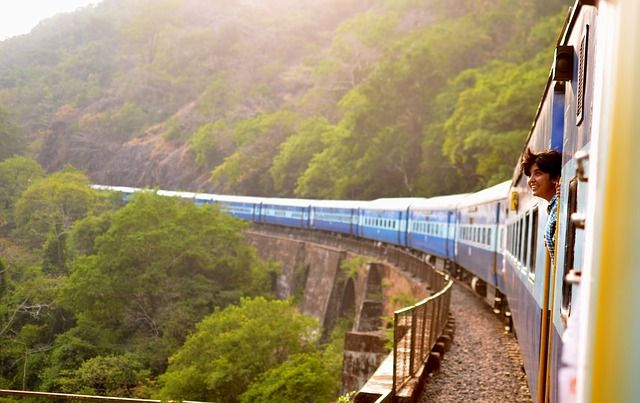 ベトナムの電車に乗るのは予約が必要!? 乗り方や運賃についても紹介,ベトナム, サイゴン駅, ハノイ, 電車, 利用方法