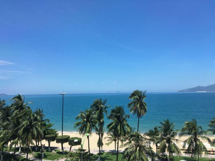 ニャチャンは海が綺麗な観光地|空港からの行き方や気候なども紹介