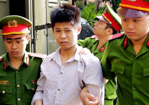 10代少年、一家5人を殺害容疑で死刑判決