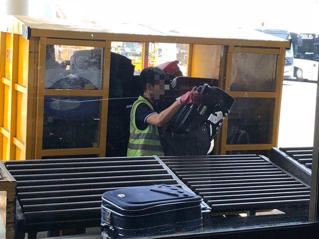 ベトジェットエア職員、乗客の手荷物を盗難で罰金科される