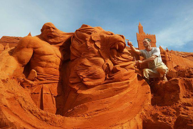ベトナム初、物語を描いた砂像彫刻公園が開園
