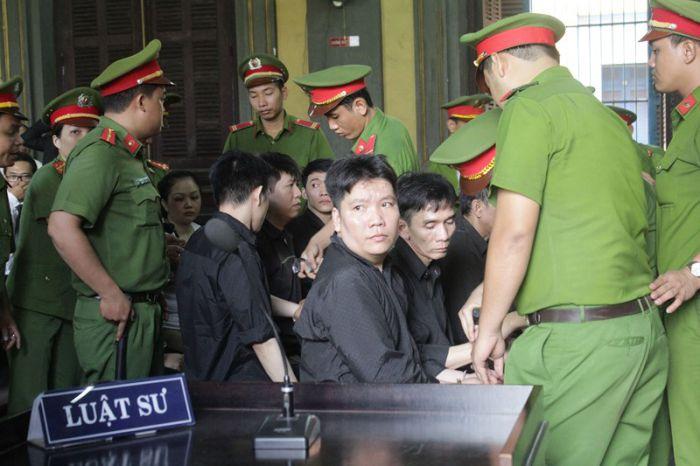 麻薬密輸業者の7人に死刑宣告