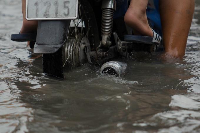 高潮でホーチミンの道路冠水