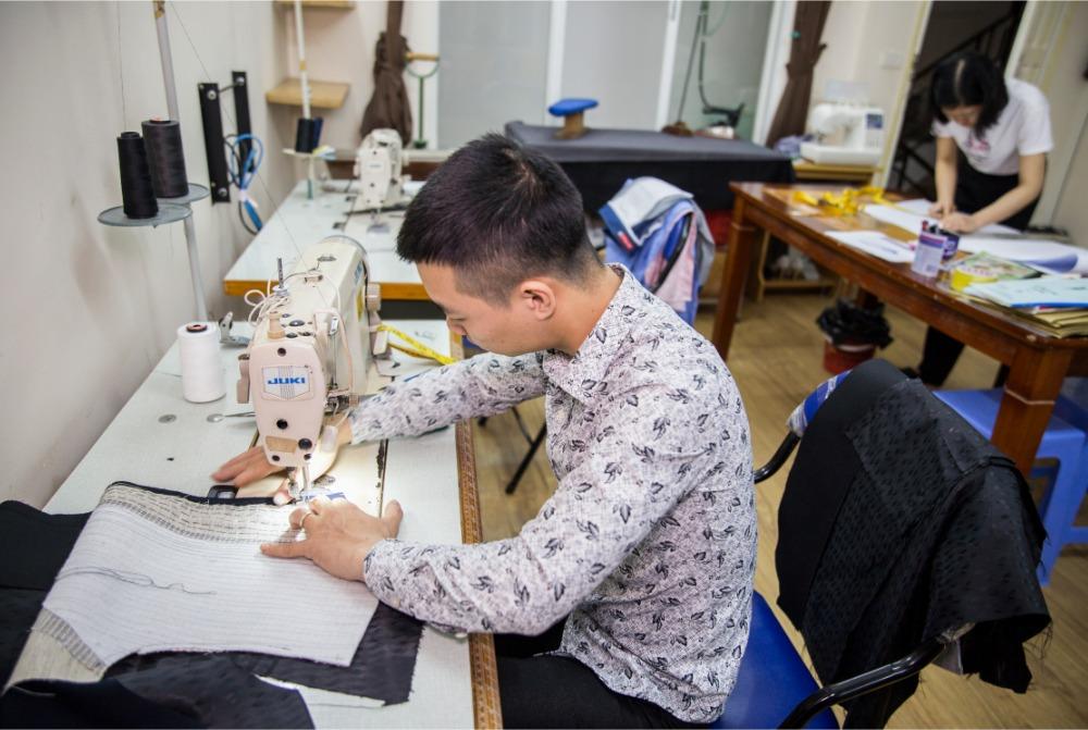 伝統職人の作るオーダースーツ店から出張オーダーサービスのお知らせ【Zeds Threads】