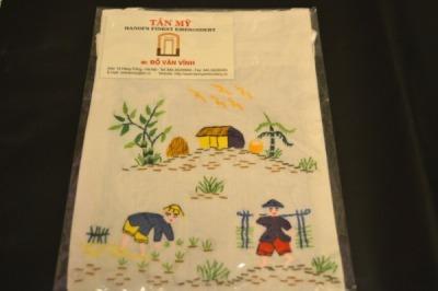 ハノイのお土産、刺繍グッズ