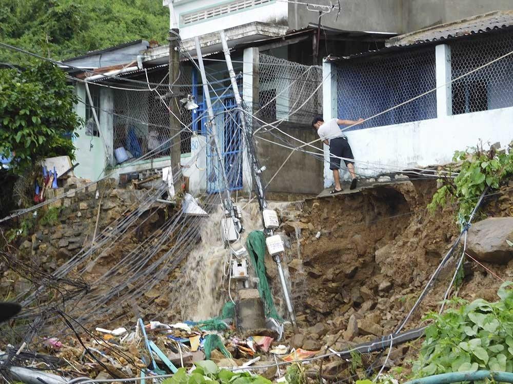 ニャチャンで洪水、14人死亡,ベトナム, ニャチャン, 洪水被害, 死亡者発生, 避難,