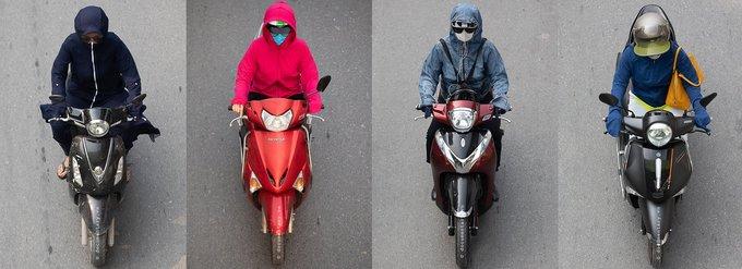 上空からバイクを撮影した様子