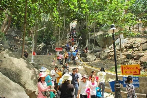メコンデルタ最高峰バーデン山、観光地化促進へ,バーデン山, 観光地化, ベトナム, ツーリズム,