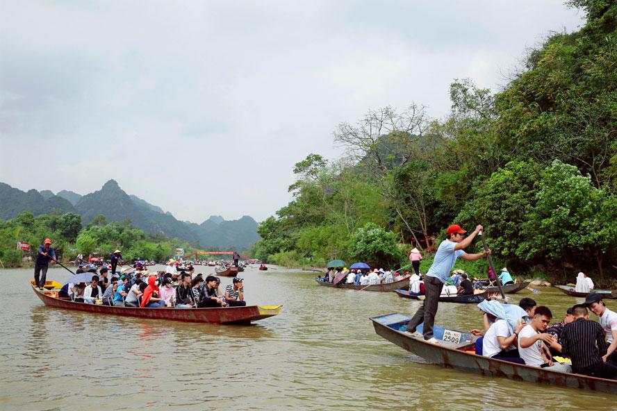 宗教ツアーへの需要高まる,ベトナム, ハノイ, 宗教ツアー, パゴダ,