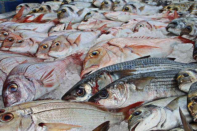 新鮮な魚介類や海鮮料理を店頭販売! ハノイの日本食レストラン【ふか田】