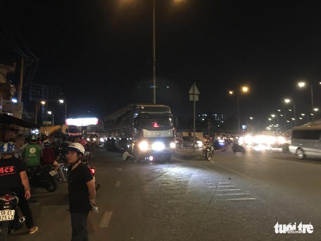 ホーチミンでバイクとトラックが衝突、2人死亡,ホーチミン,交通事故,死亡事故